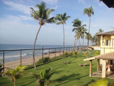 Linda Casa Em Stella Maris - Casa em condominio fechado com 600m2 de terreno e 297m2 de área construida na beira mar.