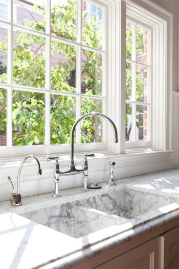 COMPLETE GUIDE to selecting a sink: size, material, etc. http://returnoninteriors.com/everything-and-the-kitchen-sink/?mc_cid=10d41c80dd&mc_eid=15e8f31ca4