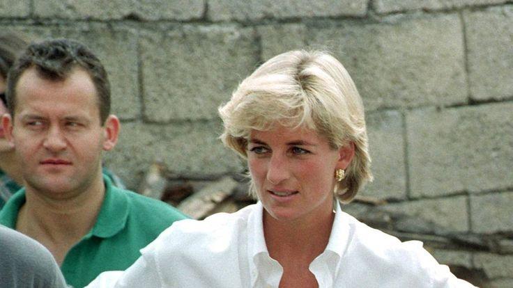 Prinzessin Diana langjährige Butler ist Paul Burell gewesen. Er hat zwei Söhne und war 32 Jahre verheiratet. Jetzt heiratet er wieder – dieses Mal einen ...