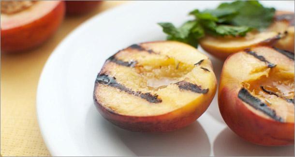 Des aliments qu'on ne pense pas à cuisiner au BBQ