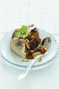 Pastillas de poulet aux pruneaux - Larousse Cuisine