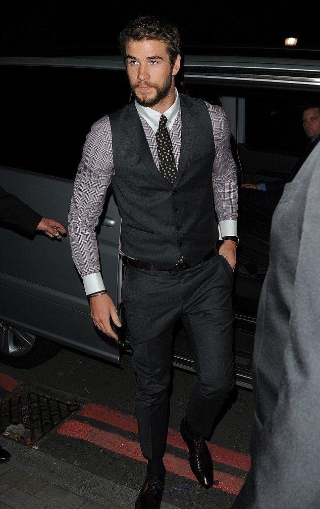 Liam Hemsworth almost as hot as Gerard Butler.. Almost!