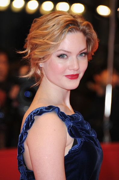 Holliday Grainger Bobby Pinned updoCurly Hairstyles, Wavy Curly, Curly Updo, Pin Updo, Updo Hairstyles, Hair Style, Holliday Grainger, Wedding Hairstyles, Shorts Hairstyles