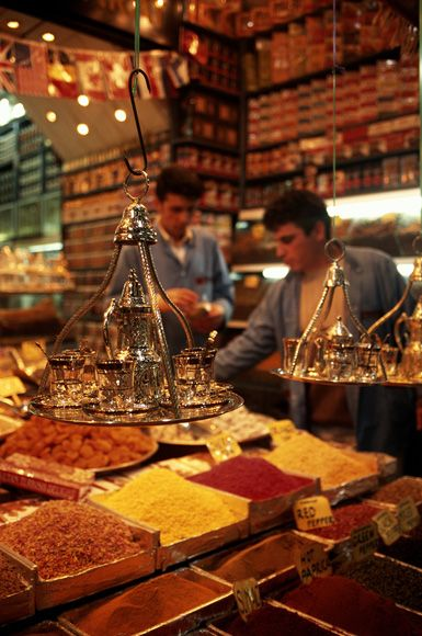 Taste my way through the Grand Bazaar, Istanbul, Turkey