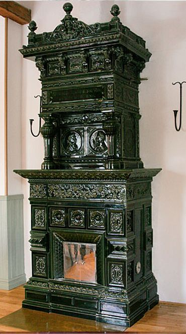 Green rectangular Swedish tile stove. Made by the Rörstrand Factory in Stockholm circa 1895.