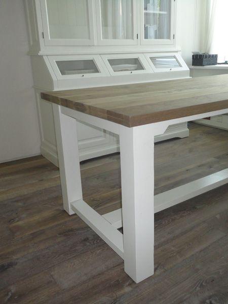 eiken kloostertafel met witte poten - Fairwood houten vloeren en tafels Tiel