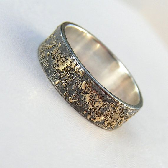 Gold Chaos  Rustic Men's Wedding Ring in 18kt Gold and