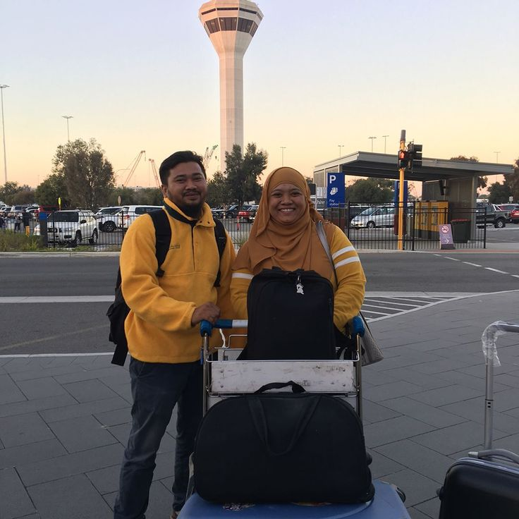 Day 1 : 29 April 2017 Arrived at Perth airport around 5.45am ... settle with immigration & customs around 645am ... then buy Optus simcard for 7 days amounting Aud15 with 500mb perday internet. . . Wit for Jerry to pick us up & bring us to the car rental office at Belmont. Take our car keys & heading to our house in South Perth #tinietorexrubytakesperth #perth #iphoneonly #iphone6splus #holiday #travel http://tipsrazzi.com/ipost/1510860968106891229/?code=BT3qAutA5fd