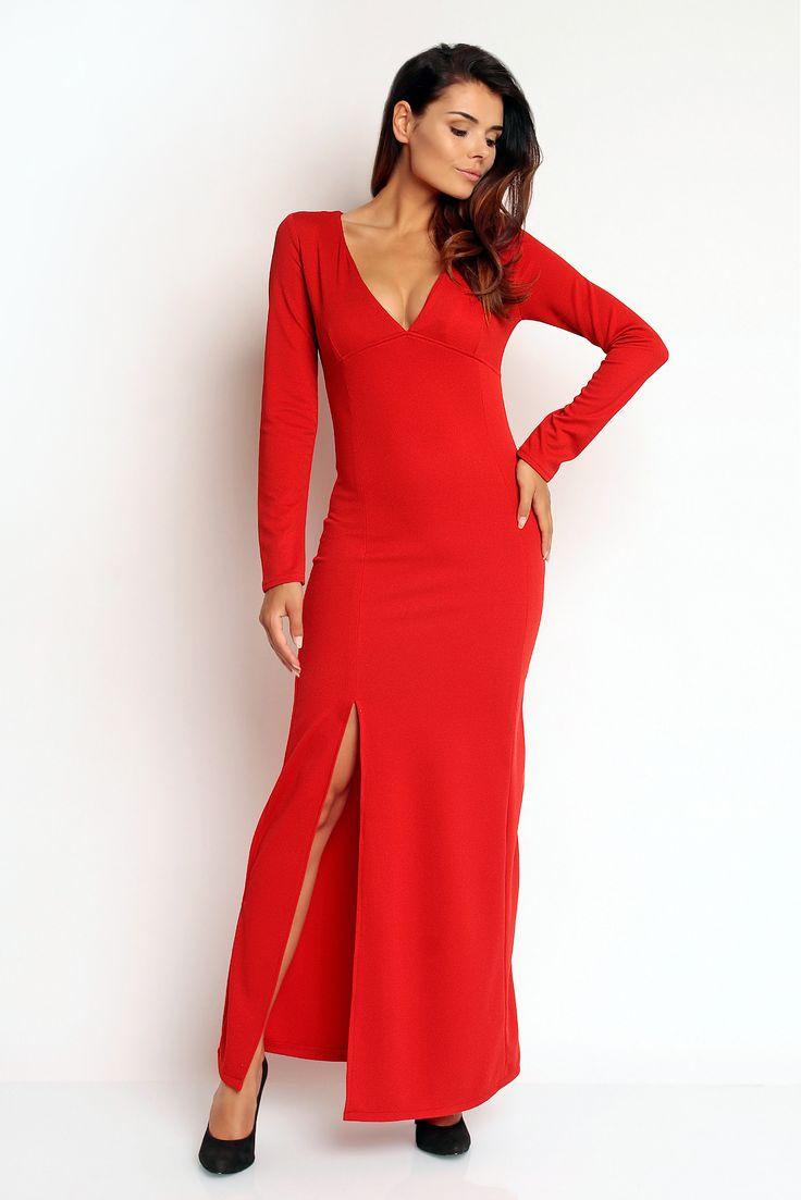 Niezwykła sukienka w odcieniu soczystej czerwieni