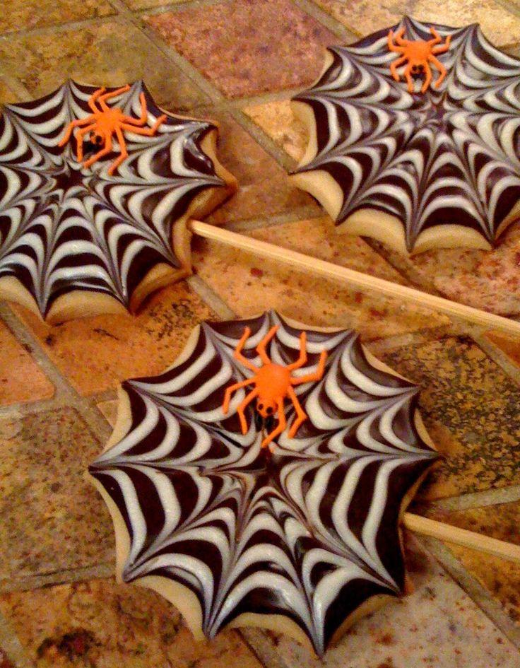Spider Web Cookies: Halloween Cake Pop, Spiders, Spider Webs, Halloween Treats, Halloween Food, Spiderweb Cookies, Halloween Cookies