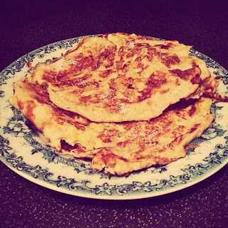 Banana Pancake Recipe  || 5 syns on Slimming World Extra Easy Food Optimising Plan    **APOLOGIES**  I posted these as syn free before but they are NOT because the banana is cooked so the total value is now 5 syns. So sorry! Please share and don't over-indulge thinking they're free!  Visit my blog for more recipes, ramblings and ideas: http://slimmingwithstyle.blogspot.com  #SlimmingWorld #Slimming #World #Healthy #Eating #Food #Dessert #Breakfast #Pancake #Recipe