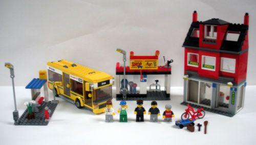 LEGO-City-7641-Transportation-Corner-5-minifigs-Bus-Pizza-Complete