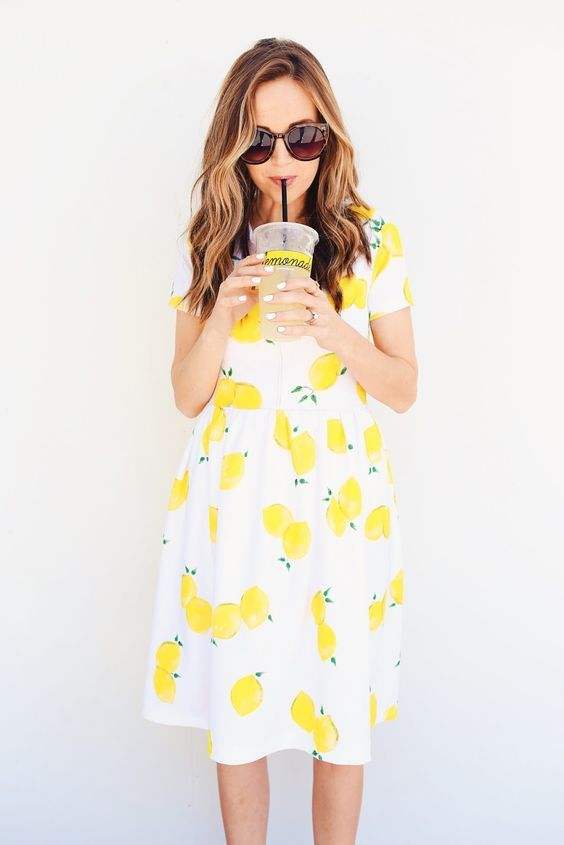 Pineapple dress it's what's trending for 2016 via Victoriamsaleino @ tumblr