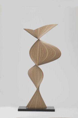 Tapio Wirkkala: Vaneriveistos / Plywood sculpture, Tapio Wirkkala Rut Bryk Foundation. Photo: Rauno Träskelin