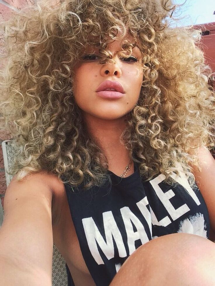 black girl with blonde hair, curls, curly hair, afro hair, black womens inspiration