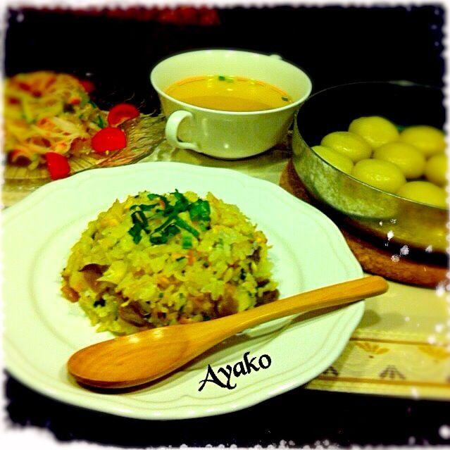 今日は、中華料理です♡ 久しぶりに温かいスープを飲んだら、暑いこと〜 - 137件のもぐもぐ - キャベツたっぷり搾菜キャベツ炒飯、白玉ぎょうざ、中華くらげのサラダ、春雨スープ by ayako1015