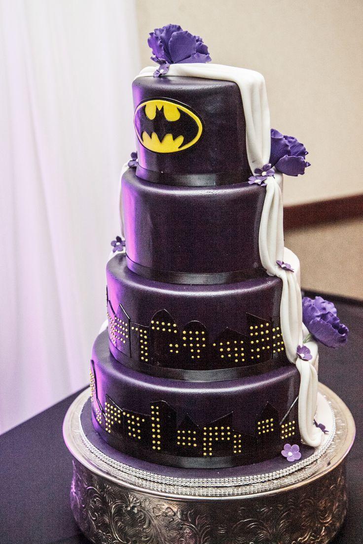 1000 ideas about superman cakes on pinterest batman cakes - Half Traditional Half Batman Wedding Cake