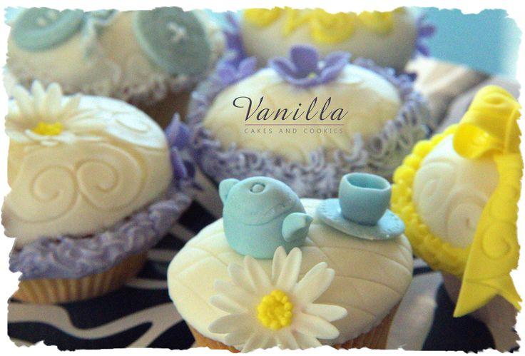 Vanilla'dan Çay Saati Cupcake'leri. Tea time Cupcakes by Vanilla Studio...