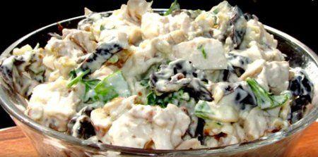 Салат с курицей и черносливом » Кулинарные рецепты с фотографиями от Жрать.ру