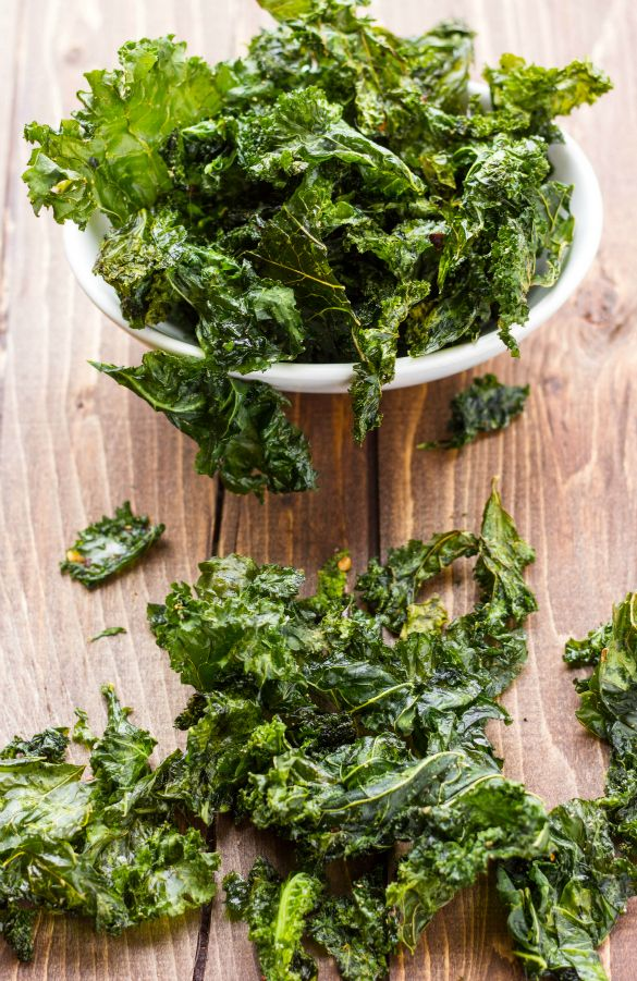 Kale Chips made with Coconut Oil. A healthy alternative to regular potato chips! Vegan, gluten-free, and vegetarian.