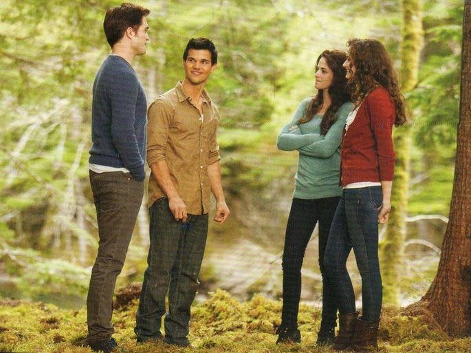 In a vision of Alice's. Edward, Bella, Jacob, and Renesmee