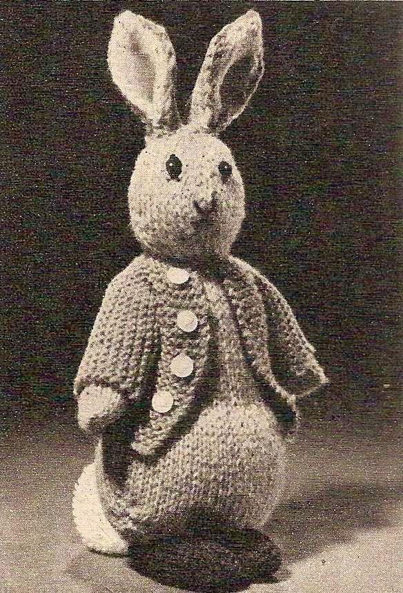 Knit Rabbit Pattern Free : Peter rabbit vintage knitting pattern crafts