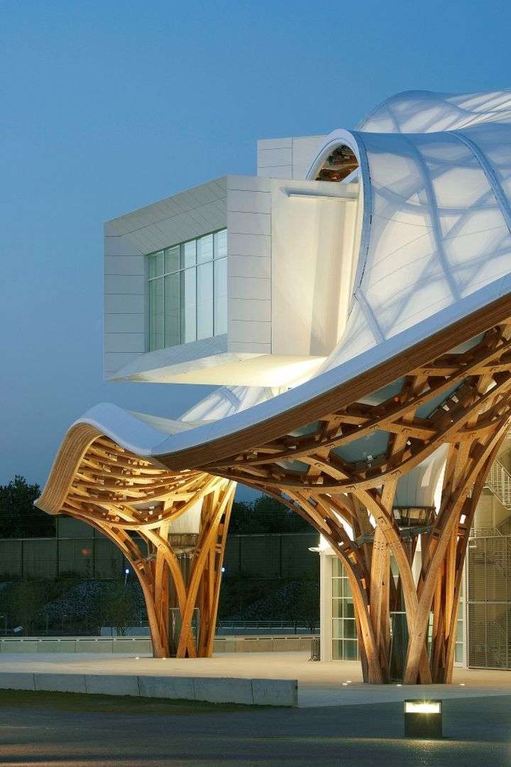 Centre Pompidou-Metz (2010) Metz, France. Shigeru Ban Architects. #architecture ☮k☮