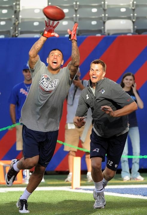 The only interesting thing from the last preseason game was watching these guys fool around: Brady Life, Photos Gallery, Patriots Pride, Aaron Hernandez, The Games, Ne Patriots, England Patriots, Brady Warm, Tom Brady