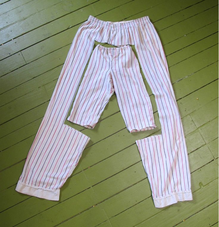 Easy upcycling: Turn those old pants into new pants for a child.