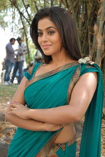 Poorna (Shamna Kasim ) Hot In Saree Latest Pics |Bollywood Films and South Indian Movie Stills Actress Hot Photos