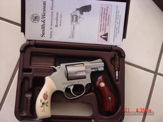 "Smith & Wesson Model 60,Lady Smith,38 special,custom grips,2 pair,in box with manual,1 3/4""barrel  Guns > Pistols > Smith & Wesson Revolvers > Pocket Pistols"