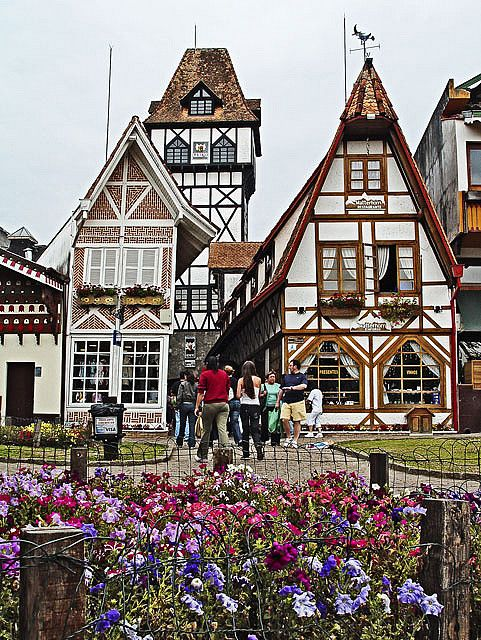 Arquitetura alemã/suíça de Campos do Jordão, fica a 173 km da cidade de São Paulo.