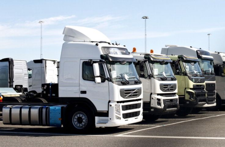 As Heavy-Truck Sales Go, So Goes the Economy