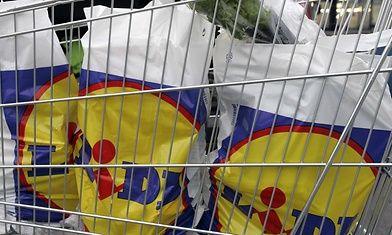 10 asiaa, jotka tapahtuvat jokaiselle kauppareissulla Lidlissä. http://www.mtv.fi/lifestyle/makuja/artikkeli/10-asiaa-jotka-tapahtuvat-jokaiselle-kauppareissulla-lidlissa/5805450