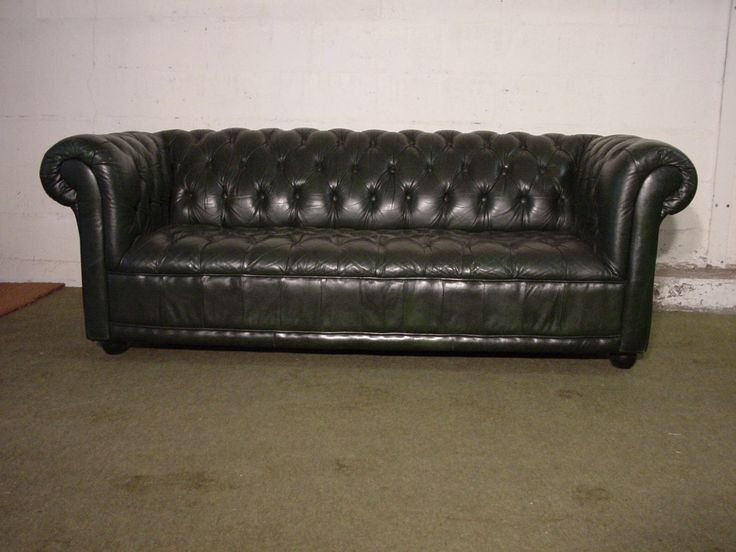 canap chesterfield en cuir vert anglais capitonn en assise canap. Black Bedroom Furniture Sets. Home Design Ideas