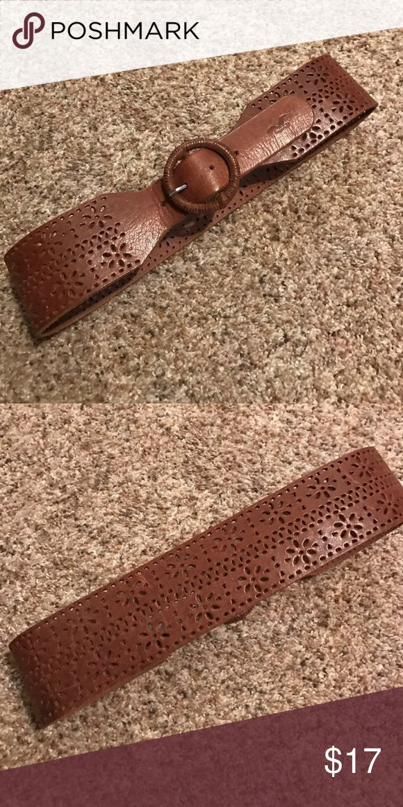 "Leather Hollister Belt Like new! Worn twice! Genuine leather belt from hollister. Looks fantastic with a dress. Meant for the natural waist. 33"" long end to end. 2.5"" wide. Hollister Accessories Belts"
