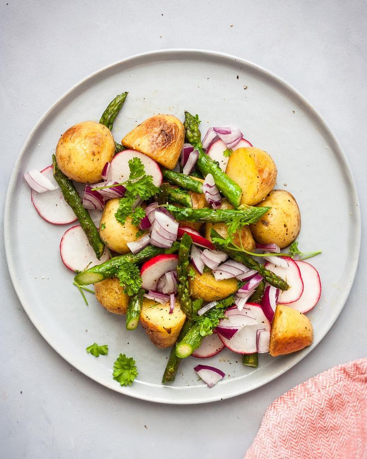 "239 Likes, 4 Comments - Denisa K. (@denisakusnirova) on Instagram: ""There's a new recipe now up on the blog guys 😋 Roasted Baby Potato Salad with Asparagus. Link in…"""