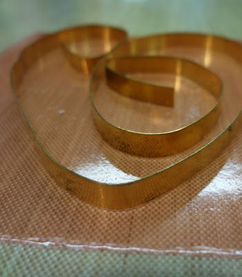Resin Crafts: Bezel Wire and Resin - A Tutorial For Experienced Resin Users Part ONE