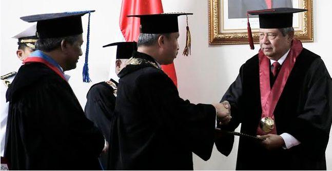 Cerita Kehidupan: Pantaskah SBY jadi Guru Besar Pertahanan?