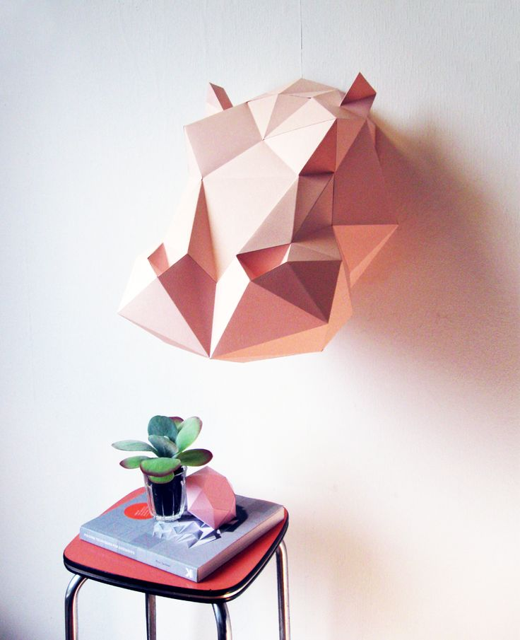 Paper jungle: trofei di carta. Dalla giraffa al rinoceronte: origami da appendere alle pareti di casa ideati dal designer olandese Joop Bource.