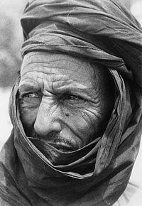 COLLECTIE TROPENMUSEUM Portret van Sidi Amed een Tuareg vluchteling uit Mali te Dori TMnr 20010117.jpg