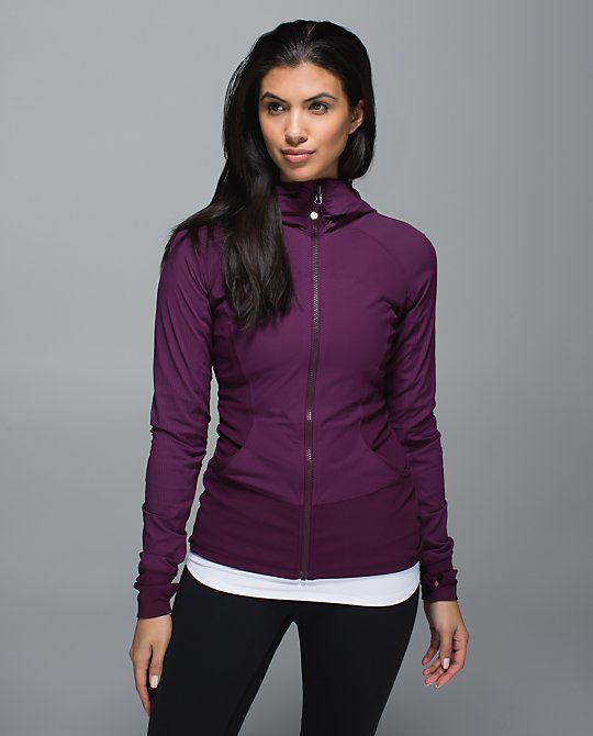 In Flux Jacket PLUM When we're racing out the door to get to class, we want our go-to jacket to be one we can count on. We designed this slim-fitting layer to cover all our must-haves: the outer fabric layer is lightweight, the soft liner wicks sweat and ribbed side panels give us full freedom to move. On your marks, get set, go to the studio!