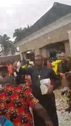 Nigerian Big Boy Escoba Smith Makes Money Rain At His Friends Childs Dedication (photos)