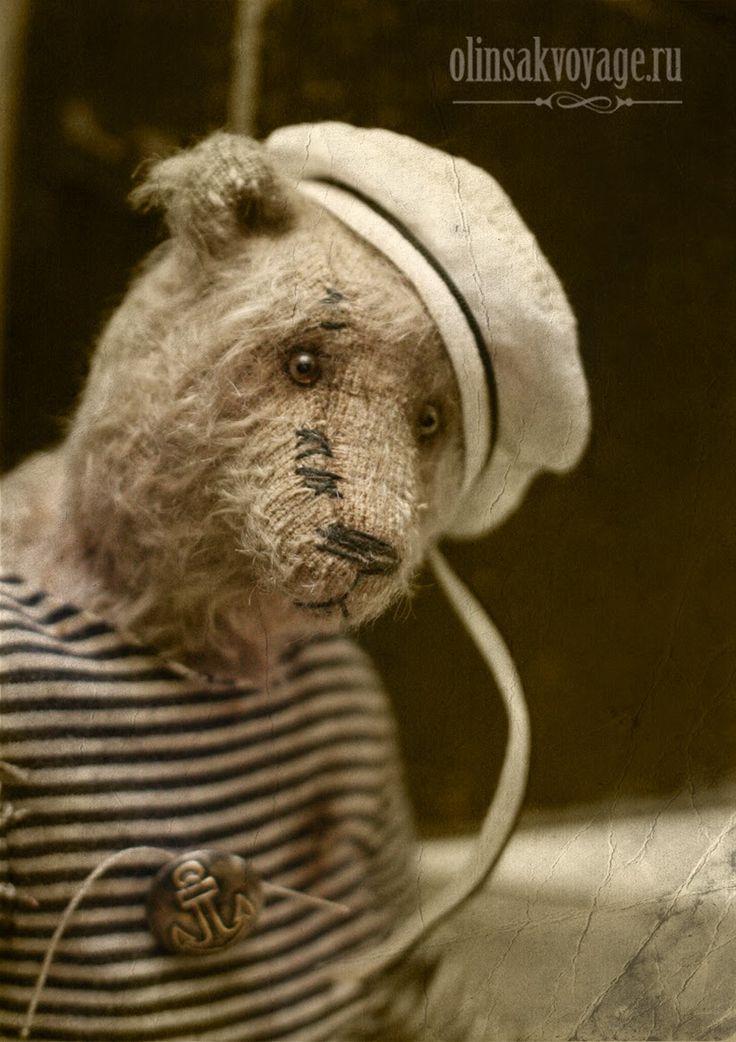 Мишка размером 32см.  мохер антик, опилки, метал.гранулят, вся одежда из натуральных материалов.  Sold out  Мишка продан.