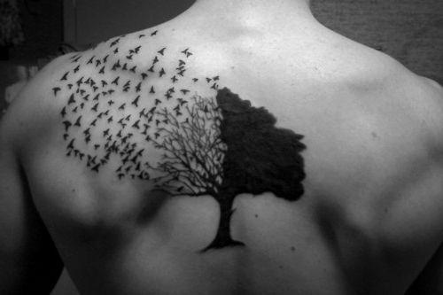 Árbol, mitad seco, mitad vivo y gaviotas. Espalda | Tattos ...