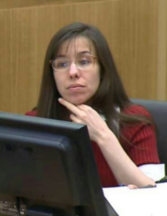 Jodi Arias flipping the expert off as he was claiming she was non-aggressive!