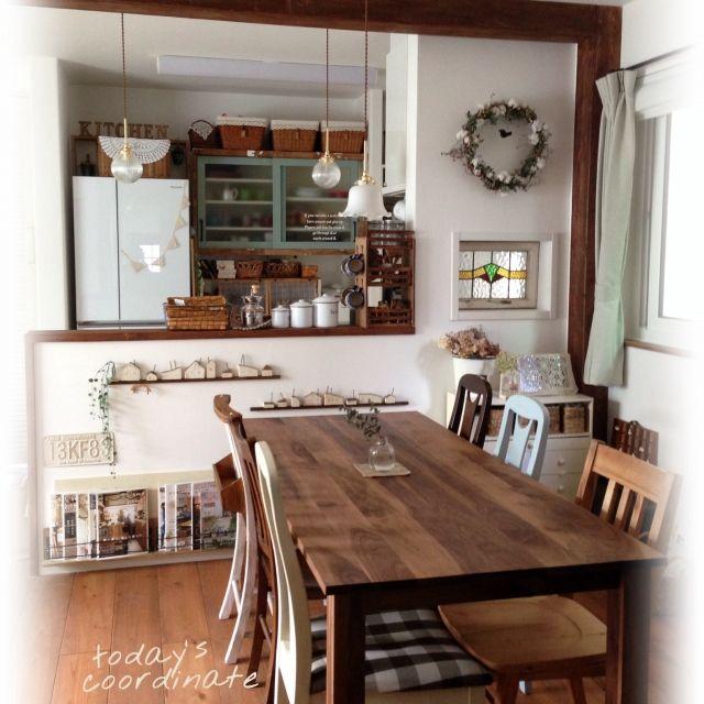 tomoさんの、ダイソー,ダイニングチェアリメイク,食器棚リメイク,無垢の床,本棚,珪藻土,チビちゃんとペンキ塗り。,ミニチュアハウス,Lounge,のお部屋写真