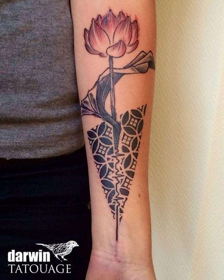 #rennes #tattoo #calaveradarwin #calavera #tatouage #ink #inked #inkflower #inkrennes #fleurs #fleurgraphique #flower #pattern #patterntattoo #darwin #darwinink #darwintatouage #dotwork #dot