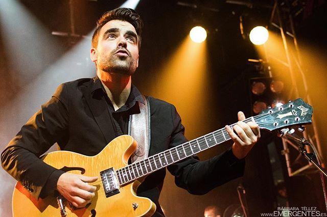 Reposting @emergentes_es: #ConciertosRecomendados! Este viernes 03nov @anautoficial despide #timegoeson en la @salaelsol. Planazo!⠀ ⠀ Toda la info del concierto: www.emergentes.es/agenda⠀ ⠀ Descúbrelos con esta #crónica: http://emergentes.es/anaut-got-us-in-heat⠀ ⠀ Disparo: @bbemergentes, presentación de Time Goes on en @joyeslava_madrid, may17⠀ ___________________________⠀ #musicphotography #concertphotography #livemusic #musicaenvivo #musicaendirecto  #concierto #madrid #madridesmusica…