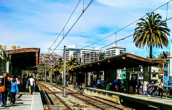 https://flic.kr/p/N5N6Y5 | Valparaíso061 | Al medio día, Estación Francia, Metro de Valparaíso, Valparaíso, Chile.